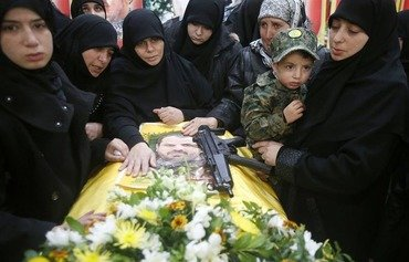 مرگ اعضای حزب الله در سوریه خشم بیوه ها و مادران لبنانی را برانگیخته است