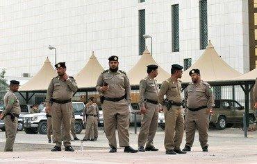 السعوديون يتحدون الارهاب بعد إحباط عملية لداعش في ملعب رياضي