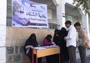 Yemeni charities help displaced families cope with winter