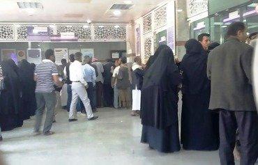 اليمن يستأنف صرف مرتبات موظفي الدولة