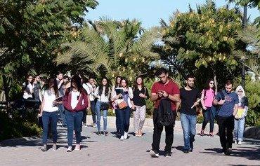منح دراسية لمساعدة السوريين والأردنيين المحتاجين