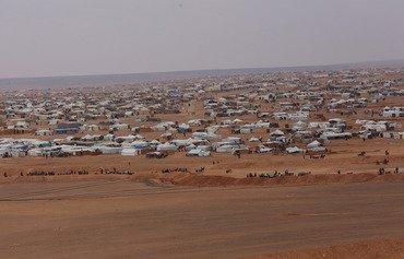 'موت بطيء' يهدد اللاجئين العالقين في مخيم الركبان