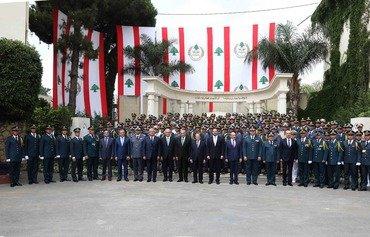 لبنان يحتفل بعيد الجيش ويتعهد بمحاربة الارهاب
