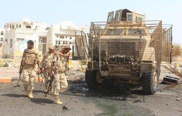 مقتل 6 جنود على الأقل في هجوم للقاعدة باليمن