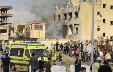 الجيش المصري يقصف مخابئ داعش في سيناء