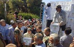 الجيش اللبناني يوزع حصصاً غذائية على أهالي البلدات الحدودية