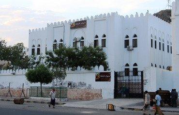 رئيس وزراء اليمن يفتتح مشاريع خدماتية في حضرموت