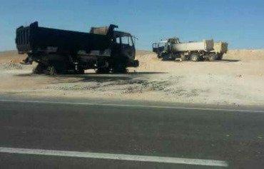 عناصر داعش يحرقون سيارات أبناء القبائل في سيناء