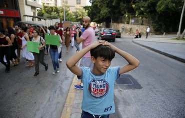 لبنان يحاول تحسين العلاقات بين المجتمعات المضيفة واللاجئين