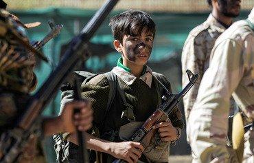 ميليشيا الحوثيين تواصل إرسال الأطفال إلى جبهات القتال