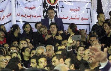 أقباط مصر يعودون للصلاة بكنيسة في طنطا