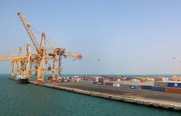 التحالف يعيد فتح مطار صنعاء وميناء الحديدة للمساعدات