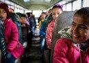 مساعدات مالية تدعم بقاء الأطفال السوريين بالمدرسة