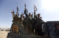 سجين من الحوثيين يعترف بتلقي التدريب على يد حزب الله