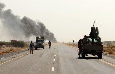 سربازان یمنی به عملیات تهاجمی علیه حوثی ها در امتداد ساحل دریای سرخ ادامه می دهند