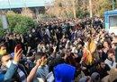 محللون: إيران تتخبط في محاولة للتمويه عن المعارضة الداخلية