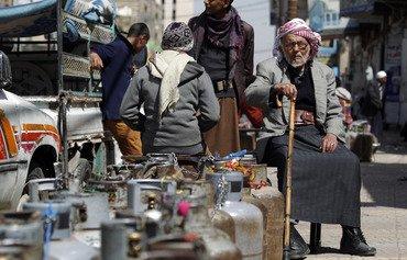 أزمة وقود حادة في صنعاء تحت حكم الحوثيين