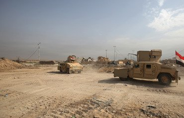 نیروهای عراقی در عملیات سوریه 5 رهبر داعش را بازداشت کردند