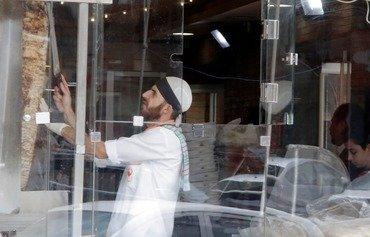شباب أردنيون وسوريون يتلقون تدريبا مهنيا