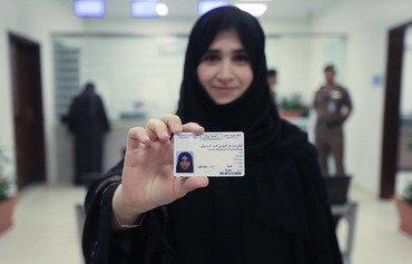 السلطات السعودية تبدأ بإصدار رخص القيادة للنساء