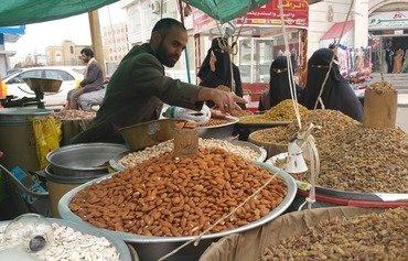 با فرارسیدن عید و مشاغل موقت کسب و کار جوانان رونق پیدا می کند