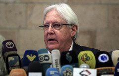 الرئيس هادي يشكل لجنة لدراسة مقترحات السلام