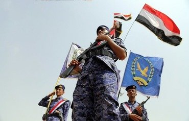 Des divisions houthies poussent des leaders yéménites à fuir vers Aden