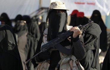 حوثی ها برای سرکوب زنان یمنی از گردان زنان استفاده می کنند