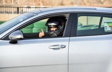 السعوديات يكتشفن متعة القيادة السريعة للسيارت بعد رفع الحظر