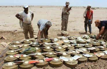 قوات النخبة الحضرمية تعثر على مخبأ متفجرات تابع للقاعدة