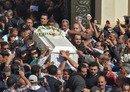 الأقباط يشيّعون ضحايا هجوم على حافلة في مصر في أجواء غاضبة