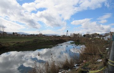 خبراء لبنانيون يدعون لتنظيم المخيمات العشوائية للاجئين