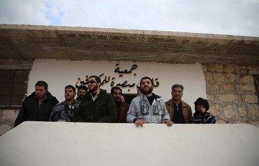 مقاتل سوري سابق يدعم المكفوفين عبر تطبيق صوتي بعدما أفقدته الحرب بصره