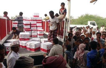 الهلال الأحمر الإماراتي يساعد في إحلال الاستقرار في اليمن
