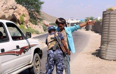 القوات اليمنية تلاحق القاعدة في حضرموت وأبين