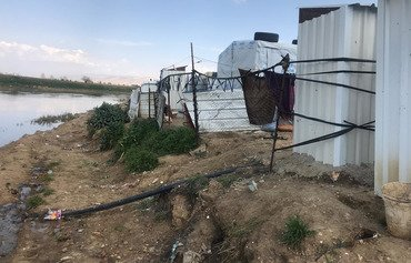 River pollution forces Syrian refugees to relocate