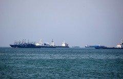 کارشناسان عمانی: هشدار ایران برای بستن تنگه هرمز «بیشتر لفاظی» است