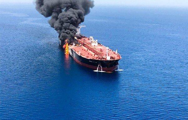 Piraterie, collisions, missiles : les pétroliers en eaux troubles
