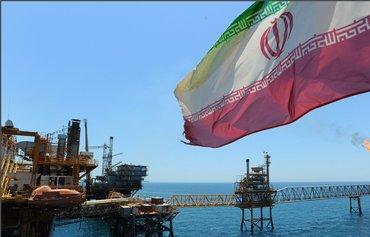 قاچاق نفت از سوی ایران در نقض تحریم ها
