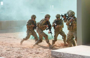 Jordanian, Emirati armed forces train together