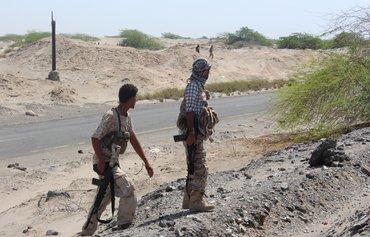 قوات الحزام الأمني تلاحق خلايا القاعدة في مديرية بأبين