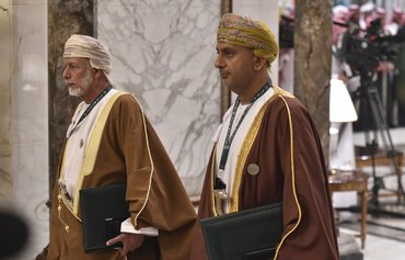 قرار است که دیپلمات ارشد عمانی درمیان تنشهای منطقه ای از ایران دیدار کند