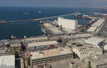 تقرير: إيران قد تكون تهرب النفط إلى سوريا عبر سفن لبنانية