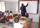 الحوثيون يسخرون حملة العودة إلى المدرسة لمصلحتهم