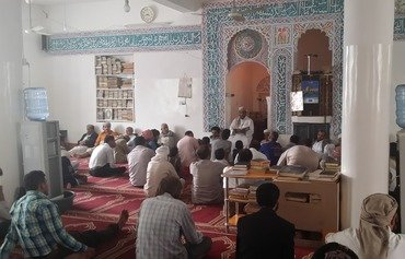 Yemeni clerics call for caution in zakat payment