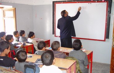 Houthis profit from back to school campaign