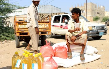 WFP halves food aid in Houthi-controlled areas