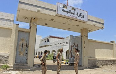 Only peace can restore Yemen's state institutions: analysts